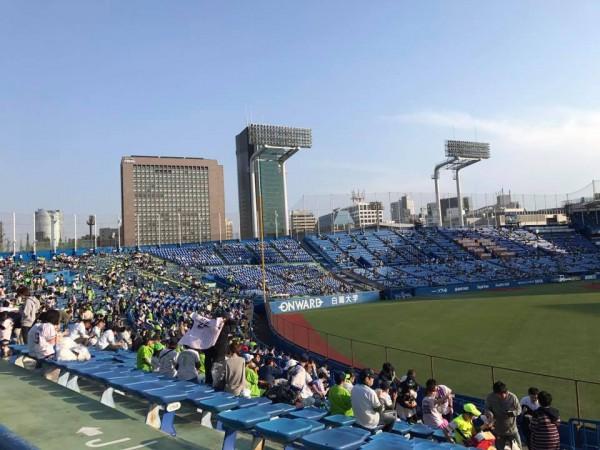 【神宮球場初心者の人向け】神宮球場にプロ野球を観に行こう!