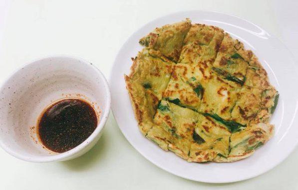 ヤクルトの青汁「大麦若葉」で作る韓国風チヂミレシピ