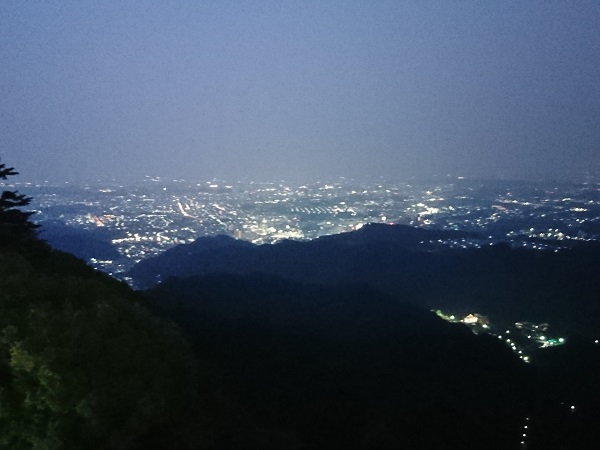 八王子の夜景を見ながら美味いビールを! 高尾山ビアマウント