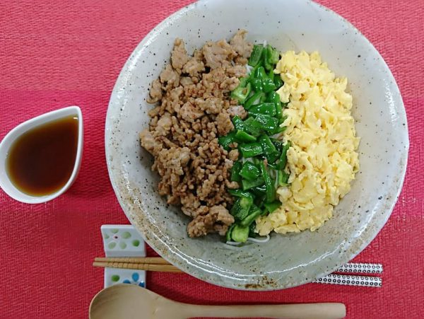 ヤクルト麺で『三色そぼろそうめん』作ってみた!